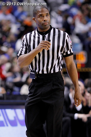 Referee Eric Brewton