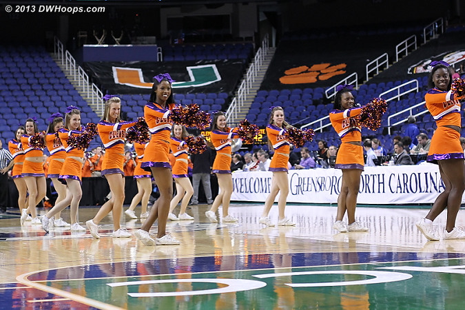 ACCWBBDigest Photo  - CLEM Players:  Clemson Cheerleaders