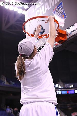 Net cutting  - Duke Tags: #35 Jenna Frush, #43 Allison Vernerey