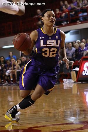 ACCWBBDigest Photo  - LSU Players: #32 Danielle Ballard